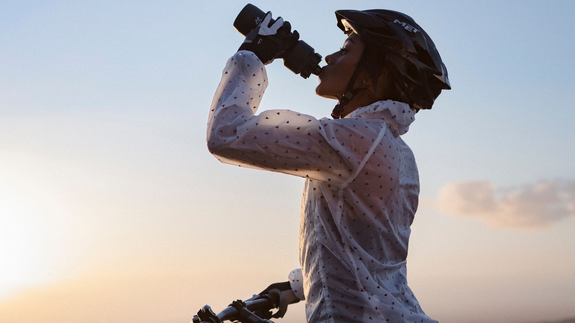 Intake of collagen supplement for a better bike ride